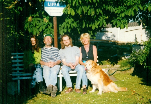 No idea of the date, but that's Saoirse on the left, my Dad, myself, my Mum, and Oisin. It's my folks back garden, and I robbed the Liffey sign. Seemed a shame not to...