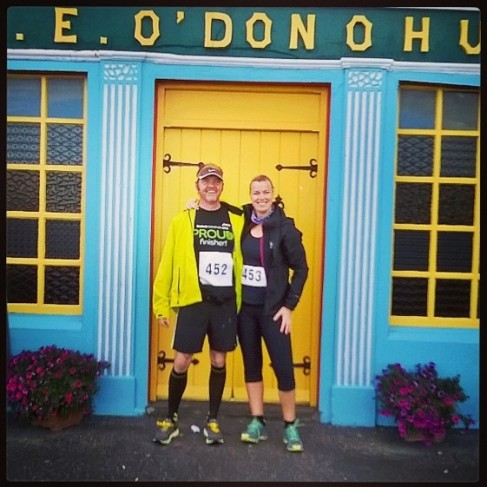 Jenny and I outside the legendary O'Donoghue's Pub in Fanore. We look fresh. This was taken BEFORE the race ;-)