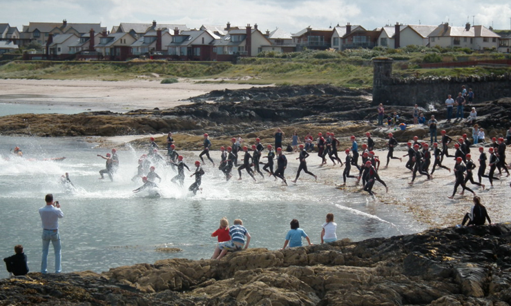 The Ireman swim start on Groomsport Beach. Looks great! (Apologies; I can't find the photographer's name for a credit)