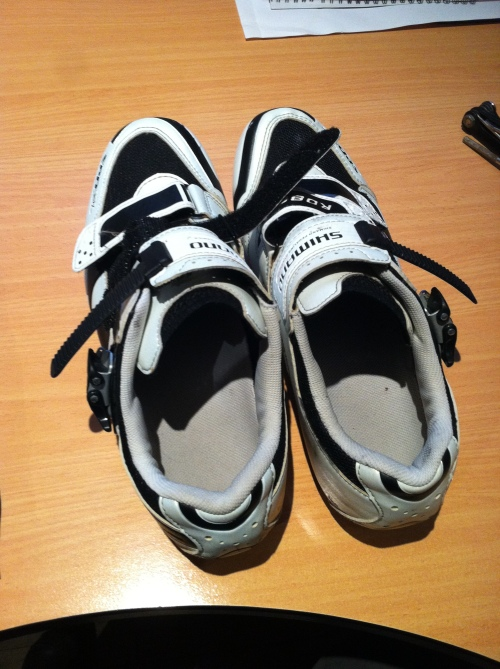 A pair of second-hand RD86 Shimano SPD-SL cycling shoes.